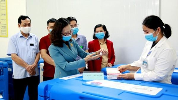 Yên Bái tiếp nhận 4.500 liều vắc xin phòng Covid-19