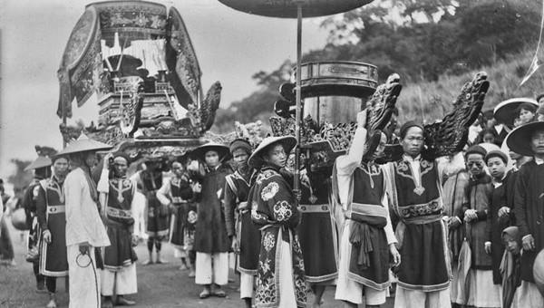 Lễ hội Đền Hùng cách đây 100 năm