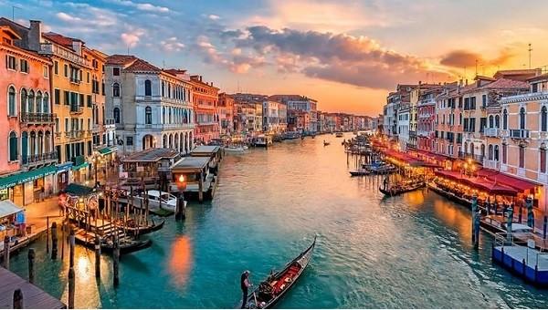 Venice – thành phố ngọt ngào lãng mạn từ cảnh sắc đến con người