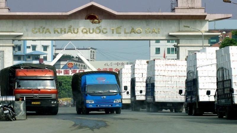 Vẫn còn tồn 1.124 xe hàng hóa ở cửa khẩu biên giới với Trung Quốc