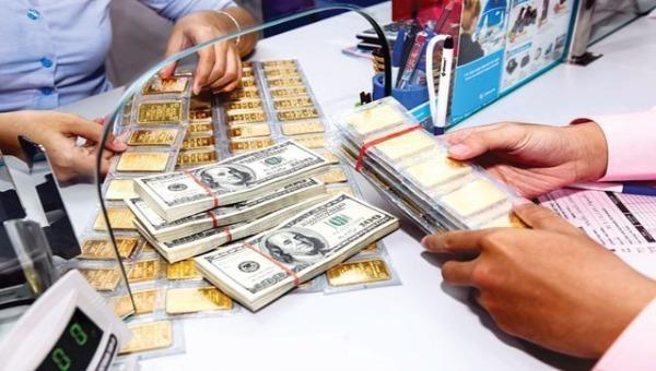 USD lao dốc liên tục, vàng SJC hướng đến mốc 49 triệu đồng/lượng