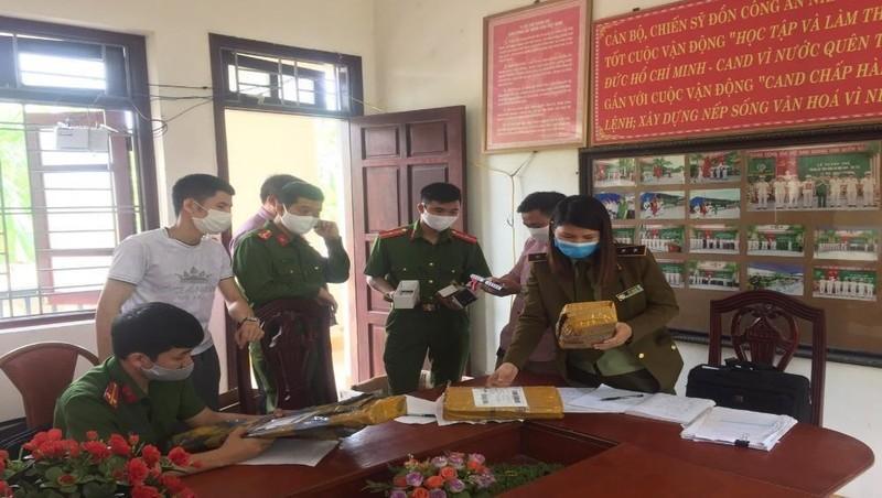 Lực lượng QLTT Bắc Giang tiến hành xử lý vụ việc vi phạm