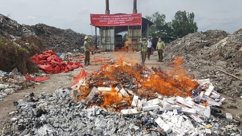 Tiêu hủy gần 17.000 bao thuốc lá ngoại nhập lậu