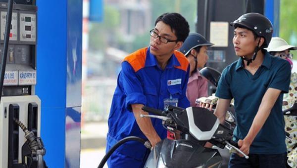 Từ 15h chiều 13/5, giá xăng E5 RON 92 trong nước tăng 578 đồng/lít.