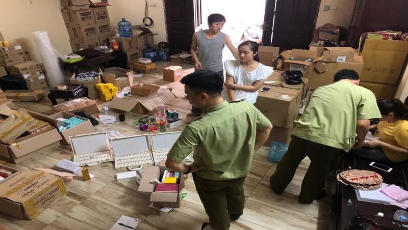 Hà Nội: Tạm giữ hơn 1.800 sản phẩm mỹ phẩm do nước ngoài sản xuất, không có hóa đơn chứng từ