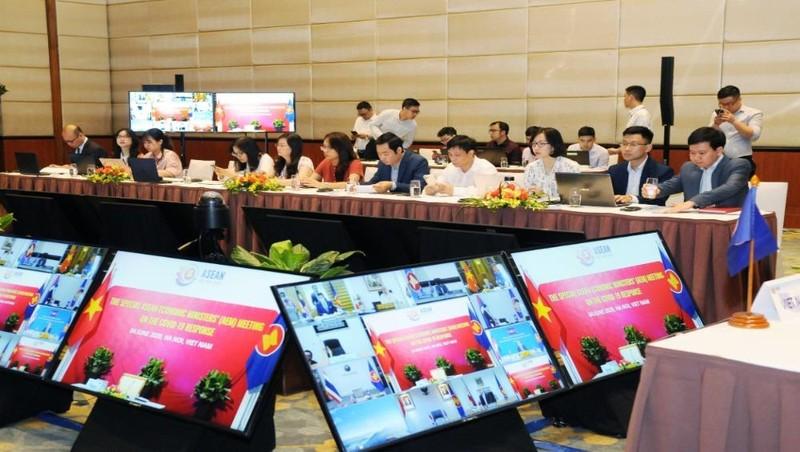 Các bộ trưởng kinh tế của 10 nước đã thông qua được Kế hoạch hành động Hà Nội.