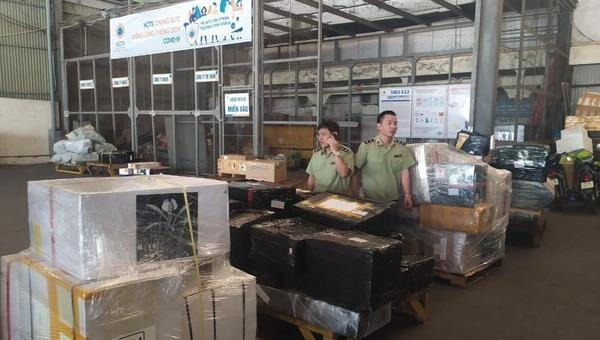 Phó Thủ tướng yêu cầu làm rõ nguồn gốc lô hàng lậu ở sân bay Nội Bài, báo cáo trước 1/8