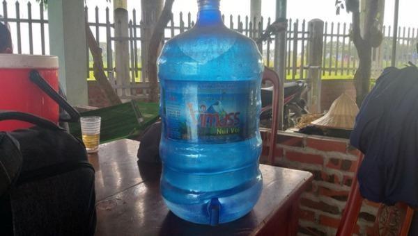 Chi cục vệ sinh an toàn thực phẩm Hải Phòng thu hồi toàn bộ nước đóng chai nhãn hiệu Vimass Núi Voi.