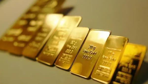 Giá vàng tăng mạnh, tiến sát mốc 50 triệu đồng/lượng
