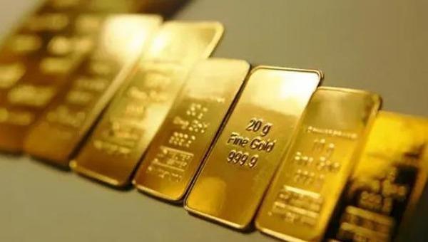 Vàng trong nước đang tiến sát mốc 51 triệu đồng/lượng.