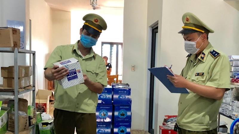Kiểm tra, phát hiện phụ tùng ô tô có dấu hiệu nhập lậu tại Lạng Sơn