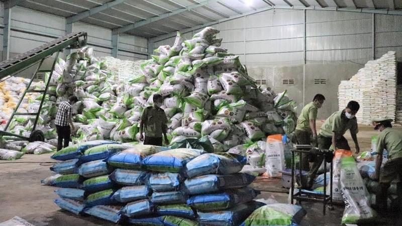Phát hiện kho hàng chứa hơn 4 tấn phân bón sai phạm tại Đắk Lắk