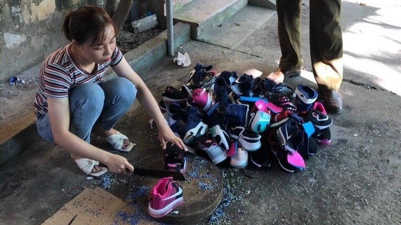 Số lượng giày, dép giả mạo nhãn hiệu Nike tại cơ sở vi phạm.