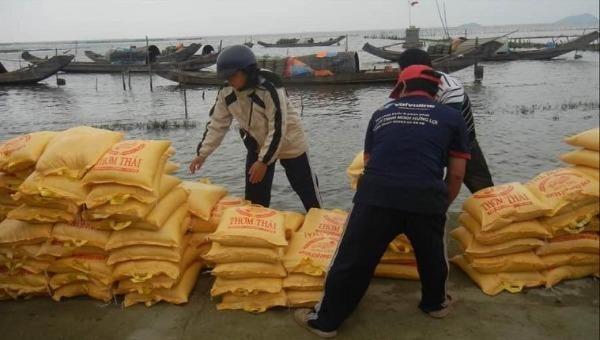 Hơn 4.065 tấn gạo dự trữ đã đến với đồng bào miền Trung.