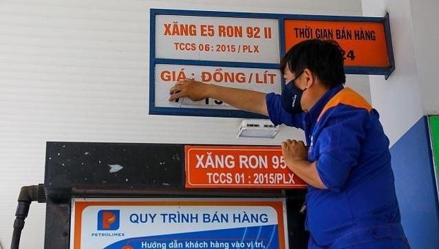 Hai Bộ Tài chính - Công thương giảm thời gian điều chỉnh giá xăng dầu xuống còn 10 ngày