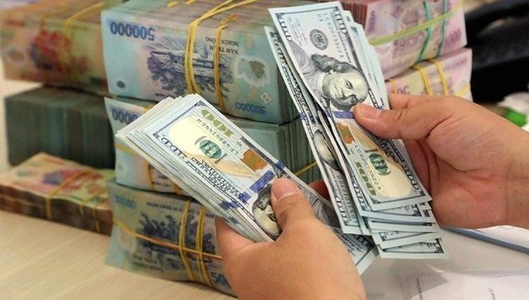 Tỷ giá ngoại tệ hôm nay - 8/12: Tỷ giá trung tâm đi lên, ngân hàng thương mại vẫn đi ngang