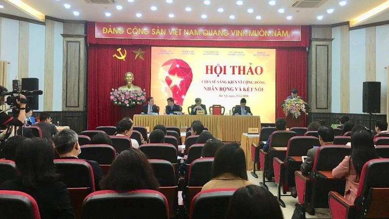 """Toàn cảnh hội thảo """"Sáng kiến vì cộng đồng - Nhân rộng và kết nối"""" diễn ra vào ngày 25/12, tại Hà Nội."""