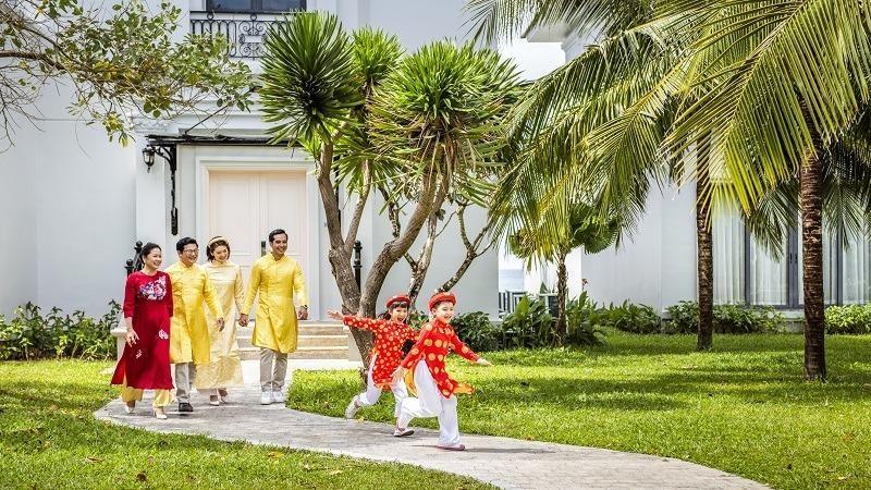 Vinpearl kết hợp với Vietnam Airlines công bố combo du lịch Xuân Du hí với mức giá vô cùng hấp dẫn.