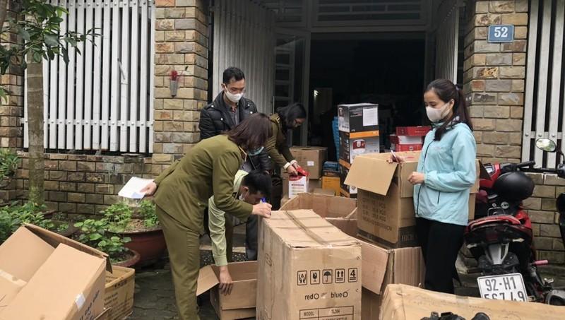 Tạm giữ hơn 1.400 sản phẩm hàng tiêu dùng không rõ nguồn gốc tại Đà Nẵng