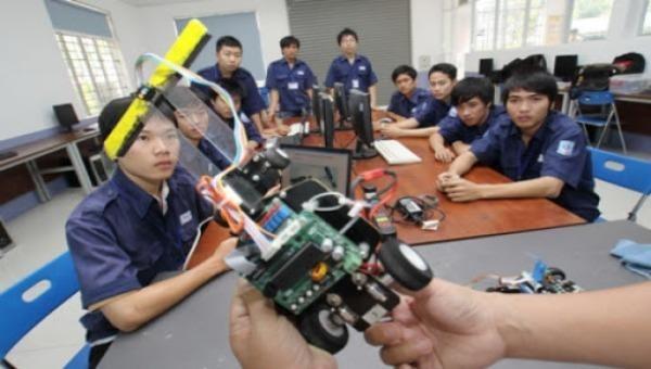 Việt Nam cần phát triển các chương trình giáo dục kỹ thuật và dạy nghề chuyên biệt để tạo điều kiện cho công cuộc chuyển đổi sang CM 4.0. (Hình minh họa).