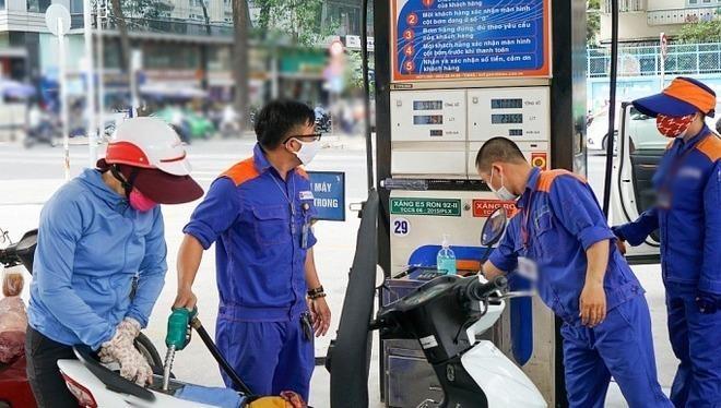 Giá xăng dầu tiếp tục tăng từ 15h chiều nay (10/2).