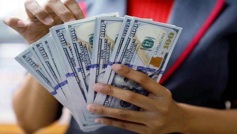 Tỷ giá ngoại tệ 24/2: Tỷ giá trung tâm giảm, ngân hàng thương mại tăng nhẹ