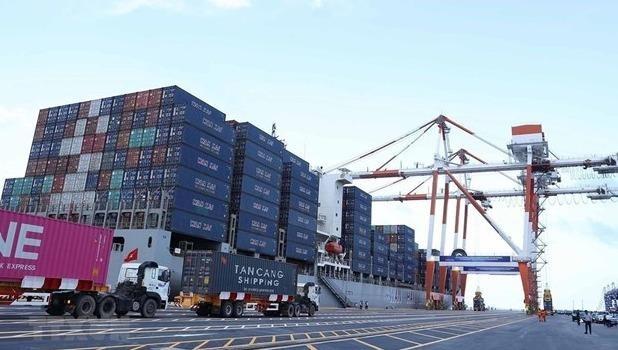 Khối lượng hàng hóa thông qua cảng biển trong tháng 01/2021 tăng 17% so với cùng kỳ năm ngoái. Ảnh minh họa