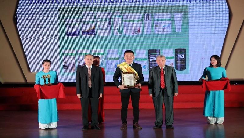 """Công ty Herbalife Việt Nam vừa được trao giải thưởng uy tín """"Sản phẩm vàng vì sức khỏe cộng đồng năm 2021""""."""