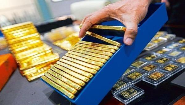 """Giá vàng hôm nay - 6/3: Lao dốc mạnh, SJC """"bốc hơi"""" hơn nửa triệu đồng/lượng"""