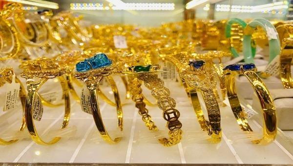 Giá vàng hôm nay, 7/3: Sụp đổ nhanh chóng, vàng có thể xuống 1.600 USD/ounce vào tuần tới