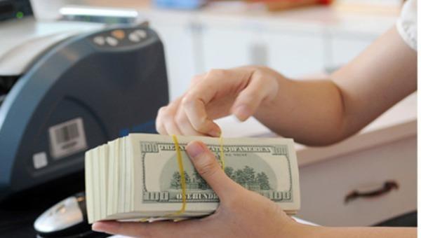 Tỷ giá ngoại tệ hôm nay 8/3: Tỷ giá trung tâm tăng mạnh, ngân hàng thương mại đi ngang