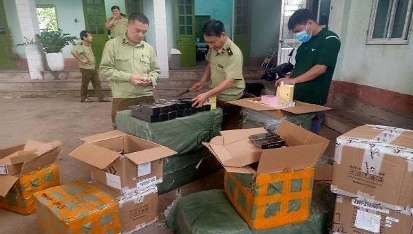 Bắt giữ hàng loạt vụ vận chuyển thuốc lá lậu tại Lạng Sơn, Phú Yên, Long An