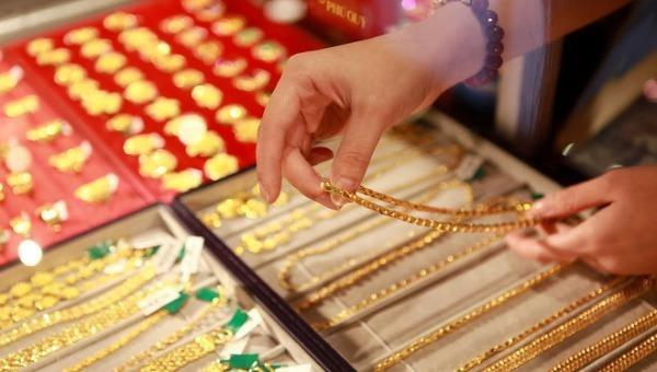 Giá vàng hôm nay 12/4: Thị trường lạc quan, giá vàng giữ được mức tăng trong tuần này