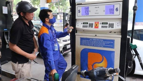 Giá xăng, dầu giảm nhẹ từ 16h30 chiều nay.
