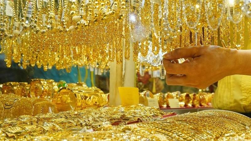 Giá vàng hôm nay 23/4: Vàng đột ngột giảm trở lại