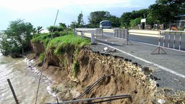Thiệt hại gần 7.000 tỉ đồng, chống sạt lở và xâm nhập mặn tại ĐBSCL thành nhiệm vụ trọng tâm