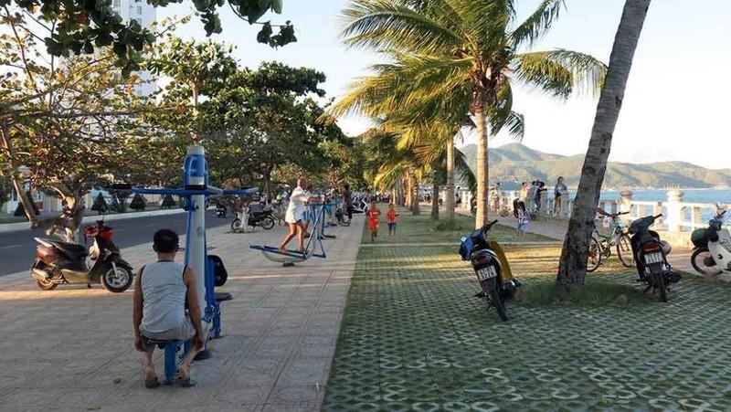 Tạm dừng các hoạt động tập trung đông người trên tuyến công viên bờ biển Nha Trang từ ngày 31/7.
