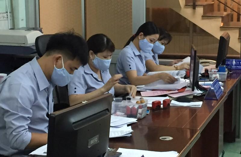 """Phòng Công chứng số 1 tỉnh Bình Định xây """"thương hiệu"""" bằng sự nhiệt tình, chu đáo."""