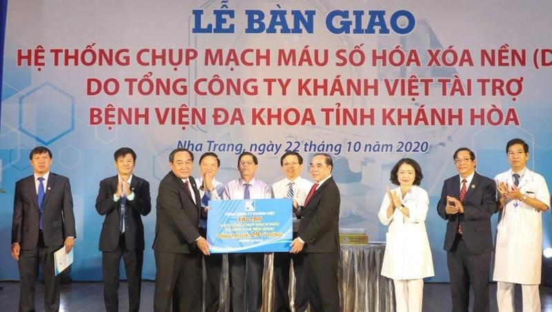 Khatoco tài trợ máy DSA trị giá gần 29 tỷ đồng cho Bệnh viện Đa khoa tỉnh Khánh Hòa