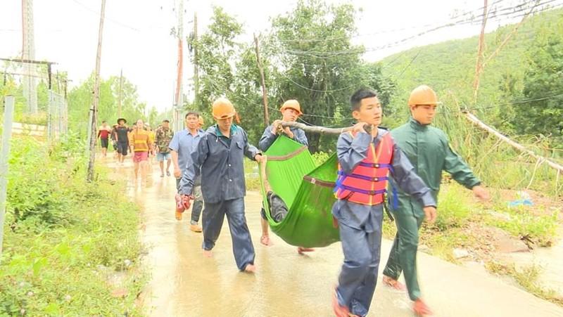 3 cha con tử nạn vì bị nước lũ cuốn trôi ở Khánh Hòa