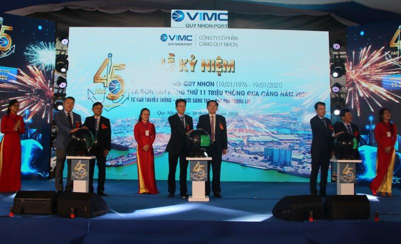 Nghi thức kỷ niệm 45 năm thành lập cảng Quy Nhơn.