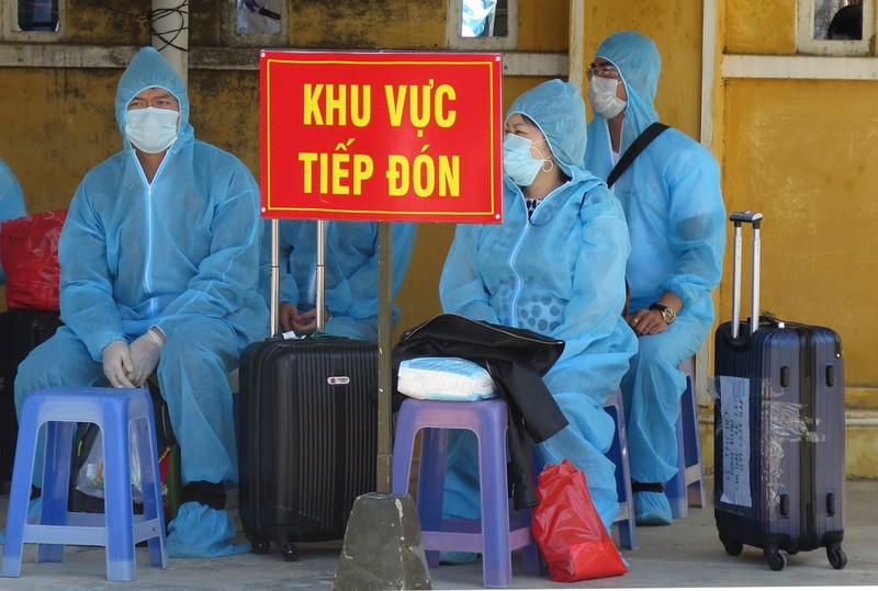Giao trả 8 người Trung Quốc nhập cảnh trái phép