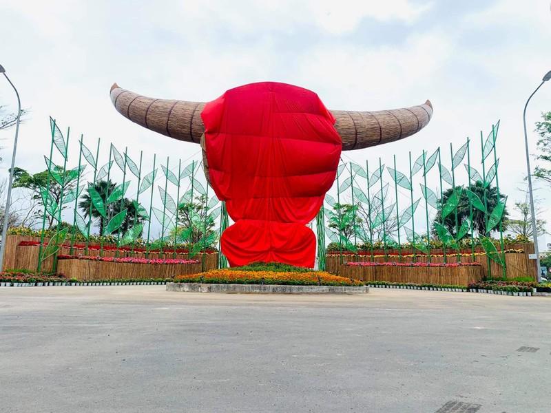 Độc đáo đầu trâu mây tre đón Tết ở Phú Yên
