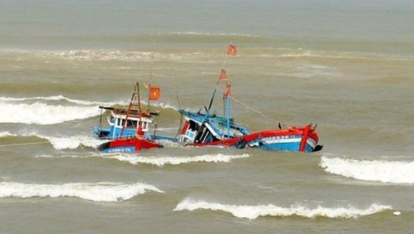 Hai ngư dân mất tích trên vùng biển Phú Yên