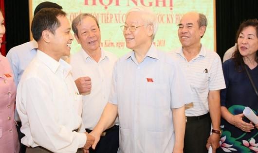 Tổng Bí thư Nguyễn Phú Trọng trao đổi với cử tri TP. Hà Nội.