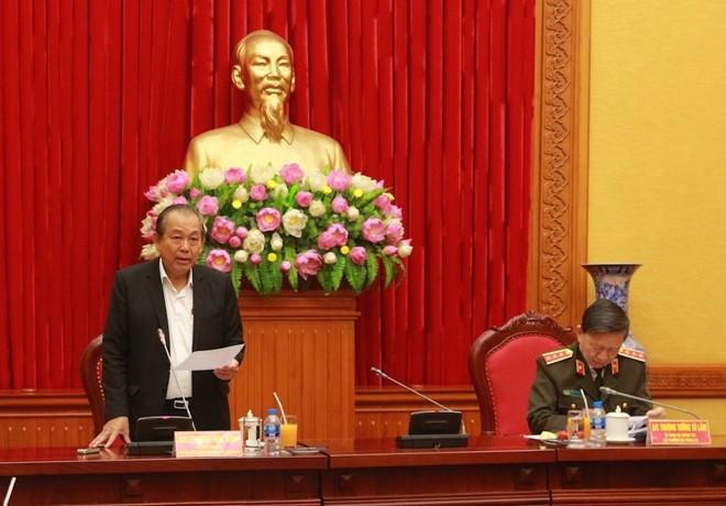 Phó Thủ tướng Thường trực Trương Hòa Bình phát biểu tại buổi làm việc.