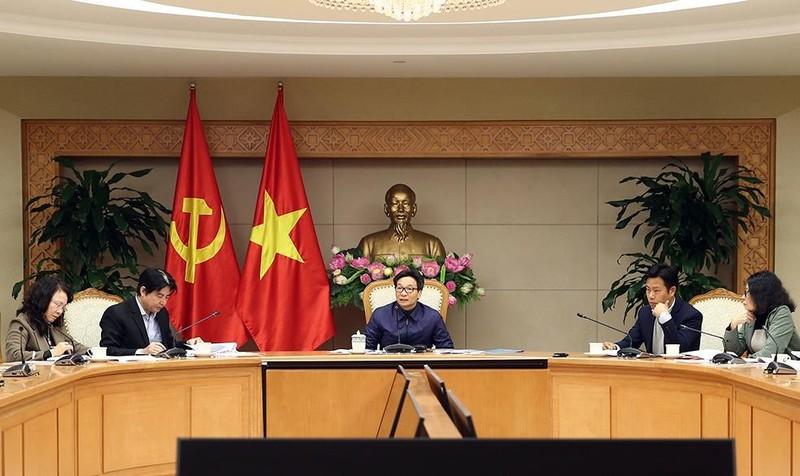 Phó Thủ tướng Vũ Đức Đam phát biểu tại cuộc họp.
