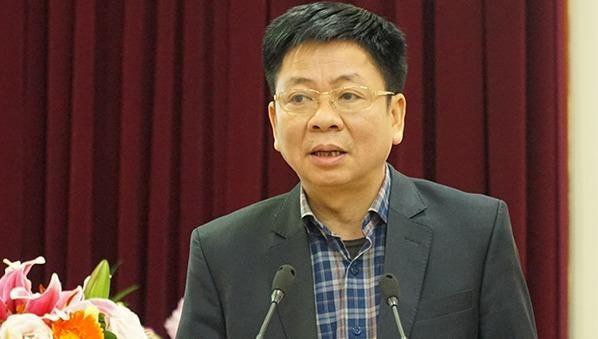 Ông Nguyễn Văn Tùng, Vụ trưởng Vụ Tổ chức - Điều lệ, Ban Tổ chức Trung TƯ phát biểu tại hội nghị.