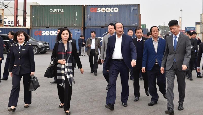 Tổ công tác của Thủ tướng trong một lần kiểm tra tại Hải Phòng đầu năm 2019.