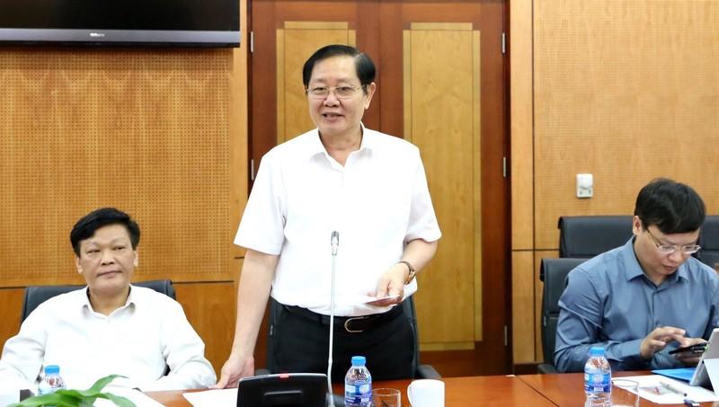 Bộ trưởng Bộ Nội vụ Lê Vĩnh Tân phát biểu tại buổi làm việc.
